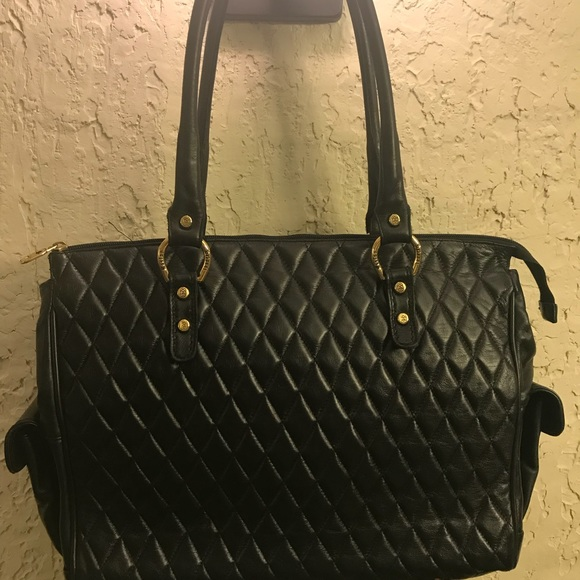 3095a3a5c Marino Orlando Black Large Quilted Leather Handbag.  M_5bc1902003087ca3ed957e1e